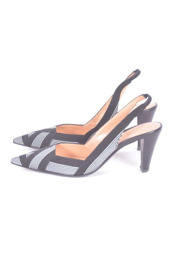 sapatos slingback lado